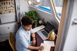 How to avoid burn-outs and loneliness among remote workers